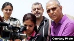 السينمائي قاسم عبد يدرب عددا من الشباب