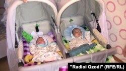 Таджикские младенцы. Иллюстративное фото.