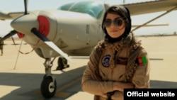 Афганська жінка-пілот Нілофар Рахмані