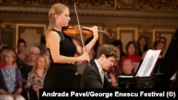 Violonista Julia Fisher, la Festivalul George Enescu