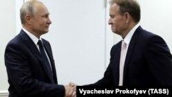 Зустріч українського політика Віктора Медведчука (п) із президентом Росії Володимиром Путіним, Владивосток, Росія, 5 вересня 2019 року