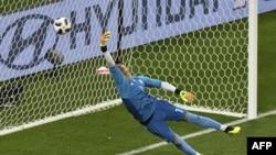 پرتګالي لوبغاړي ریکاردو کورېزما پر ایراني ګولچي علي رضا د لوبې لومړی ګول وواهلو. روس، جهاني جام ۲۰۱۸