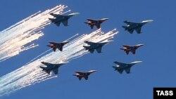 МиГ-29 ва Су-24 ҳарбий самолётлари.