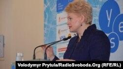 Президент Литви Даля Ґрібаускайте на прес-конференції в Ялті, 20 вересня 2013 року