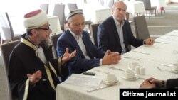 Узбекские имамы читают в России проповеди против «ИГИЛ». Екатеринбург, 2 октября 2015 года.