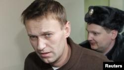 Блогер Алексей Навальный Тверь аудандық сотында. Мәскеу, 6 желтоқсан 2011 жыл.