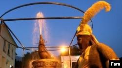 مراسم رونمایی از تندیس مشک حضرت عباس