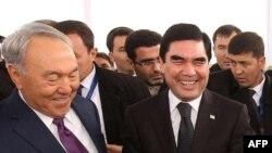 Нурсултан Назарбаев и Гурбангулы Бердымухамедов.