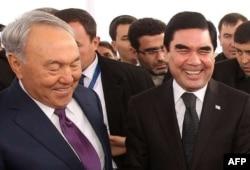 Источник утверждает, что Гурбангулы Бердымухамедов лично просил о помощи Президента Казахстана Нурсултана Назарбаева