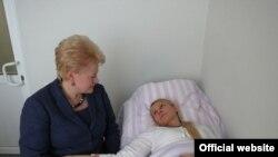 Lithuania President Dalia Grybauskaite meets with Yulia Tymoshenko in Kharkiv.