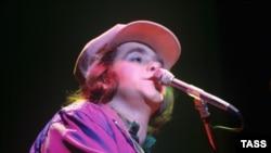Элтон Джон выступает в Ленинграде в мае 1979 года