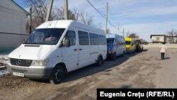 Microbuze cu numere transnistrene la Coșnița