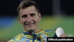 Павло Тимощенко зі срібною медаллю Олімпійських ігор в бразильському Ріо-де-Жанейро, 20 серпня 2016 року