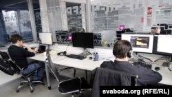 Праграмісты ў офісе адной з ІТ-кампаній у Горадні. Ілюстрацыйнае фота