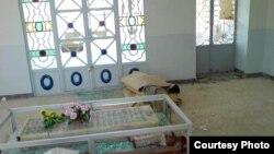 یکی از عبادتگاه های دراویش در نزدیکی اصفهان که در سال های گذشته که تخریب شده است