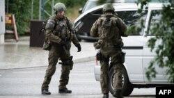 Pamje e pjesëtarëve të policisë gjermane