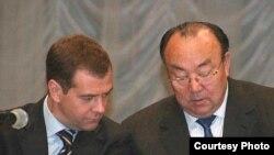 Дмитрий Медведев (с) Мортаза Рәхимов менән