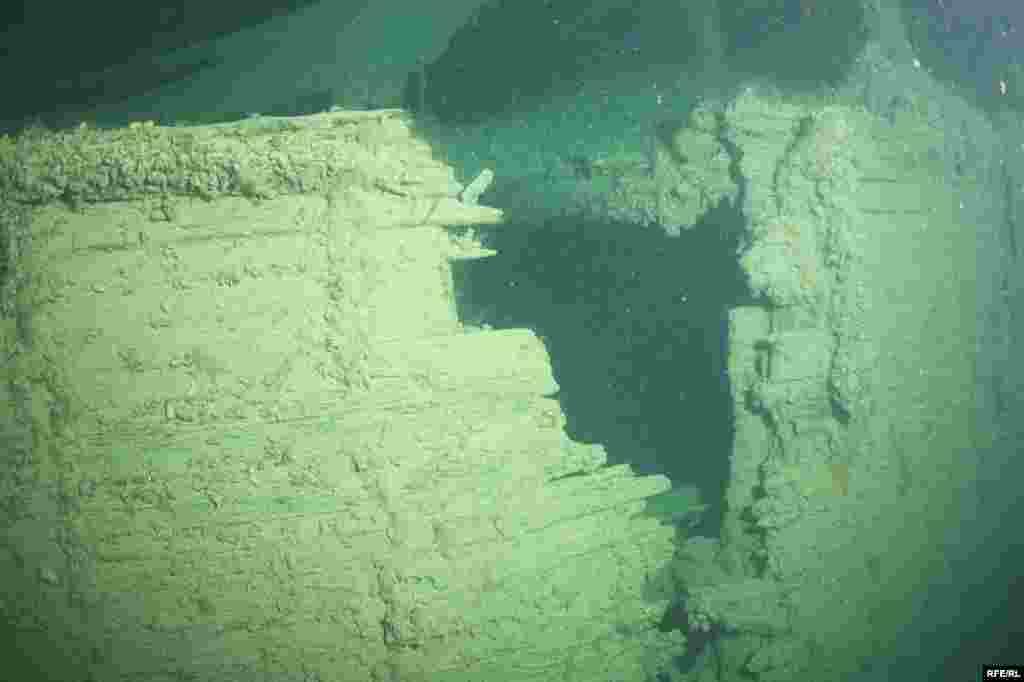 Уламки візантійського судна - (Фотографії з архіву керівника археологічної підводної експедиції Сергія Воронова)