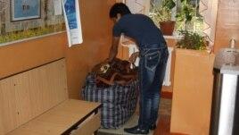 Студент в общежитии Казахского национального университета имени аль-Фараби.