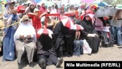 نساء من جماعة الأخوان المسلمين في إحتجاج بالقاهرة