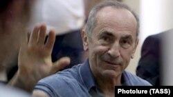 Former Armenian President Robert Kocharian gestures as he attends a court hearing in Yerevan, on September 20. (file photo)