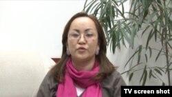 """Наргиза Әжібаева, """"Республика"""" партиясының жастар қанатының жетекшісі. Бішкек, 28 қараша 2012 жыл"""