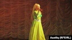 Омски сәхнәсендә Лена Борханова