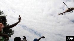 Haitianët e dëshpëruar nga vonesa e ndihmave