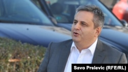 Mekejn je grubi navijač režima u Crnoj Gori: Slaven Radunović