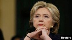 خانم کلینتون به کمیته تحقیقاتی مجلس نمایندگان گفت که حمله بنغازی نباید اقدامات آمریکا را در سطح جهانی تضعیف کند.