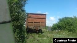Залізниця заростає травою, однак поїзди з вугіллям курсують постійно