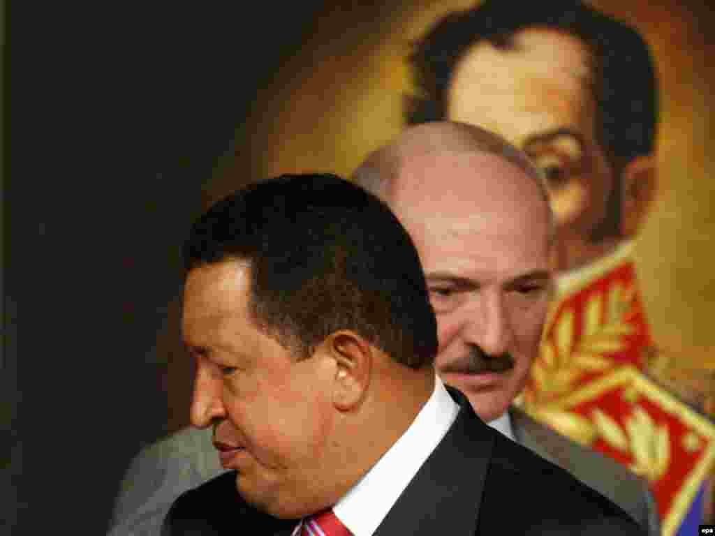 Venezuelan President Hugo Chavez and his Belarusian counterpart Alyaksandr Lukashenka meet in Caracas. - The two leaders, who share similarly antagonistic relations with the West, signed agreements on strengthening energy ties during their meeting at the Miraflores Palace. Photo by David Fernandez for epa