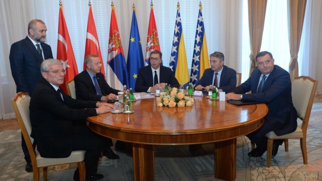 S leva na desno: Šefik Džaferović, Redžep Tajip Erdoan, Aleksandar Vučić, Željko Komšić i Milorad Dodik, Beograd