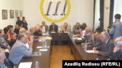 Это произошло одновременно с его председательством на Форуме интеллигенции в Баку