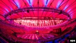 Феєрверки над легендарним стадіоном «Маракана» під час церемонії закриття Паралімпіади, Ріо-де-Жанейро, 18 вересня 2016 року