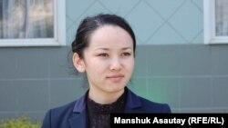 Макбал Құсаинова, банк қызметкерлері мен қаржыгерлер кәсіподағының мүшесі. Алматы, 10 сәуір 2013 жыл.