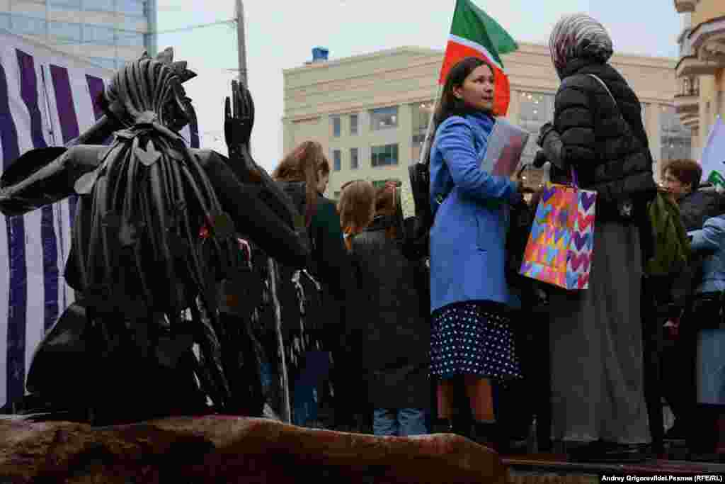 Участники серии митингов в поддержку татарского языка высказывали опасения, что татарский язык может исчезнуть.