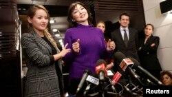 Алма Шалабаева казак түрмөсүнөн бошотулгандан кийин Римде пресс-конференция берүүдө. 27-декабрь, 2013-жыл.