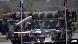 Pakistanın ballistik raketləri və dronları ölkənin müstəqillik günündə nümayiş etdirilir (Foto arxivdəndir)