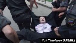 Задержание гей-активиста в Москве 27 мая