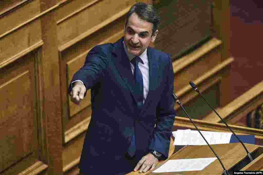 ГРЦИЈА - Панос Каменос требаше пред неколку месеци да си замине од Владата, доколку навистина сакаше да го спречи Договорот од Преспа. Со тоа што остана во Владата, му го даде пенкалото на Алексис Ципрас да потпише, а според тоа е целосно одговорен и самиот тој, рече претседателот на Нова демократија, Кирјакос Мицотакис.
