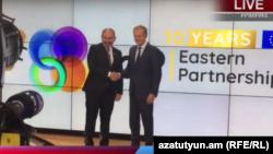 Премьер-министр Армении Никол Пашинян (слева) и президент Европейского совета Дональд Туск, Брюссель, 13 мая 2019 г.