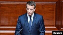 Франция президенті Эммануэль Макрон парламент алдында сөйлеп тұр. Париж, 3 шілде 2017 жыл.