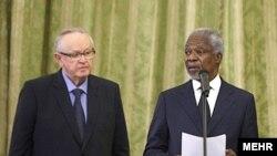 Ֆինլանդիայի նախկին նախագահ Մարտի Ահտիսաարին ՄԱԿ-ի նախկին գլխավոր քարտուղար Կոֆի Անանի հետ, արխիվ