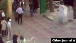 صحنه ای که حمله پلیس به یک معترض در میدان ونک .