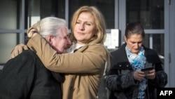 Majke Srebrenice ispred Haškog suda nakon objave presude Momčilu Perišiću