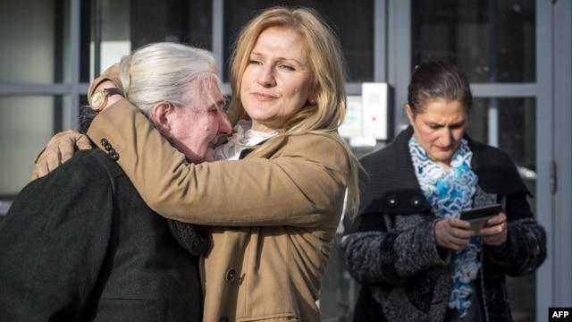 A mother from Srebrenica cries in front of the Yugoslav war crimes tribunal after the appeal judgement of Momcilo Perisic in February. The tribunal acquitted the Yugoslav ex-army chief on appeal and overturned his 27-year sentence for war crimes and crimes against humanity.