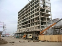 Reconstruction work under way at the former Press House in the Chechen capital, Grozny (ITAR-TASS)