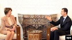 خانم پلوسی سومين مقام ارشد آمريکايی است که ظرف چند سال گذشته با رييس جمهوری سوريه ديدار کرده است.