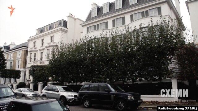 Чотириповерхова будівля у вікторіанському стилі належить подружжю Пінчуків із 2008 року